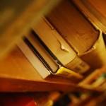 ニベアCMの女優は誰?図書館のロケ地や歌手と曲名も気になる!