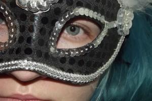 mask-715782_640