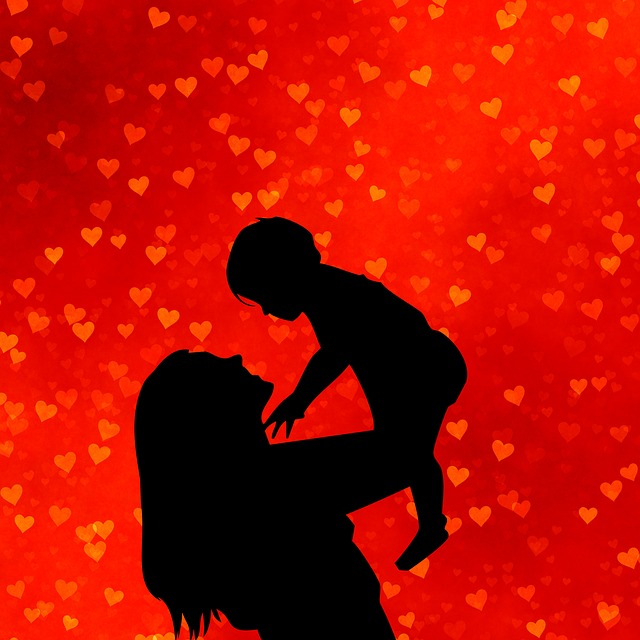 mother-and-baby-1646451_640